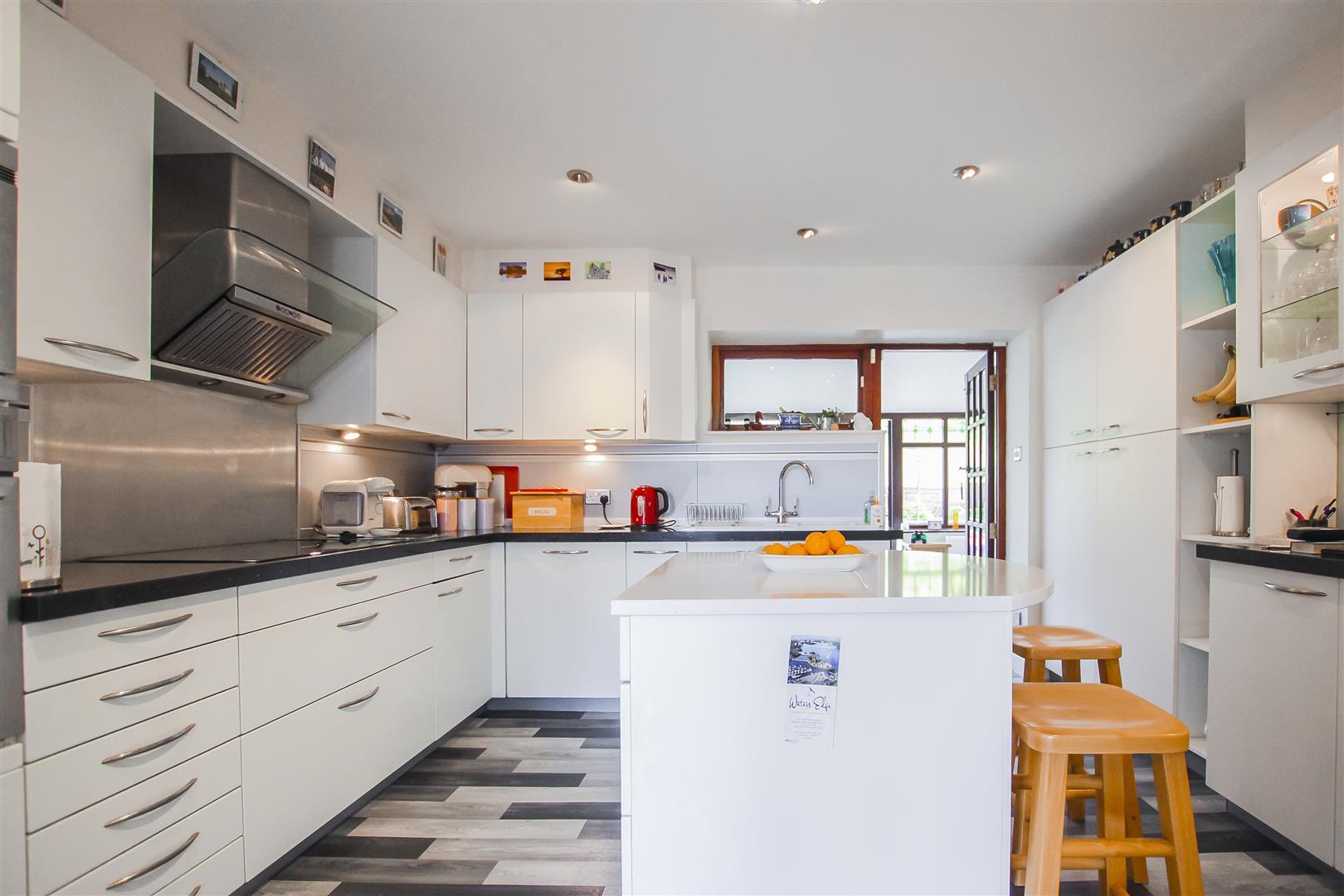 6 Bedroom Detached House For Sale - Annex Kitchen